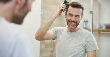Frisuren bei Haarausfall für Männer und Frauen